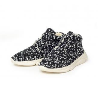 Boots en tricot noire et blanche