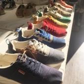 Choisir c'est renoncer! Cette devise est valable pour tous les grands et petits moments de la vie et s'applique aussi au choix de vos baskets! Notre gamme de sneakers vous est proposée en 9 coloris noir, bleu marine, gris tourterelle, safran….et même un modèle orange vert asymétrique! Identiquement confortables, légères, stylées… vous l'avez compris le plus dur va être de faire votre choix!   #sneakers #basketsaddict  #marseille #espigas #chaquepasestuneaventure