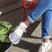 Et sauter à pieds joints dans l'automne! Découvrez nos nouvelles sneakers en ligne ou à la boutique. Des baskets ultra légères gris tourterelle, orange, bleu marine ou kaki pour vous accompagner dans toutes vos aventures. #sneakers #baskets #chaquepasestuneaventure #marseille #lesud #espigas_shoes