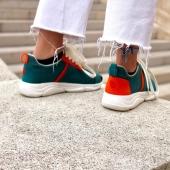 Que pensez vous de la tendance sneakers colorblock ?  Nous aimons beaucoup cette paire bicolore et son aura vintage a souhait! Pensez à prendre une taille au dessus de votre pointure habituelle.  #local#marseillebusiness#madeinfrance#shoesaddict#againstfastfashion#savoirfaire#frenchknowhow