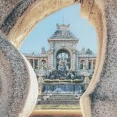 Le soleil pointe le bout de son nez éclairant le palais Longchamp pour ses premiers jours de Printemps 🌷 Une bonne occasion d'aller se balader près de celui ci sous le soleil 😉 Une photo prise par @roger.tourguide !   #igersmarseille#landscape#mindset#inspiration#picoftheday#espigas