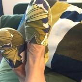 Upcycling is the New recyclage! Utiliser un tissu vintage en bon état pour faire vos espadrilles pourquoi pas? C'est ce que Margot vous explique dans un article de notre journal  avec des tissus chinés chez Emmaus... et vous quels sont les modèles que vous aimeriez créer ? Lien vers notre article du Journal sur l'upcycling https://espigas-store.com/fr/blog/post/l-upcycling-is-the-new-recyclage-   #upcycling #creation #artisan #artisanatfrancais #pieceunique #zerodechets #marquefrancaise #madeinmarseille🇫🇷 #recyclage #espadrilles #marseille