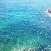 Envie de bleu!  Anse de la fausse monnaie de 15h06 Comme dit notre philisophrase du modèle espadrille chambray , «le bonheur du voyage c'est de tout faire pour la première fois» Premier 15h06 de cet angle  #ansedelafaussemonnaie #marseille #cestlesud #mer #bleu #inspirationoftheday #choosemarseille #marseillejetaime #espadrille  #espigas__